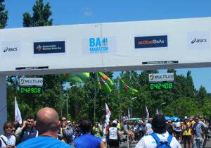 Relojes exterior cronómetro maratón Buenos Aires