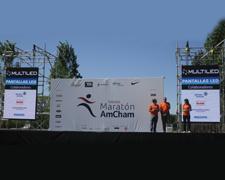 Pantalla led maratón AMCHAM