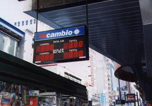 Carteles leds pizarras led Unicambio Avenida Corrientes